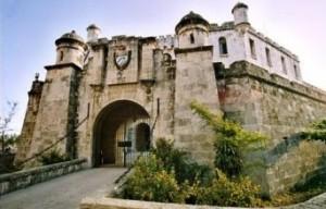 6162749-castillo_del_Principe_Havana-300x192